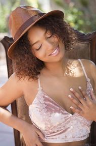 Ebony Darling Noel Monique 01