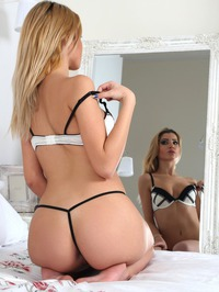 Blondes Do It Better 02