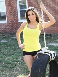 Danni Gibson In Tire 02