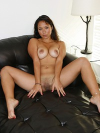 Busty Amateur Janelle 13