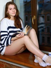 Presenting Lauren Swift 00