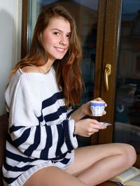 Presenting Lauren Swift 03