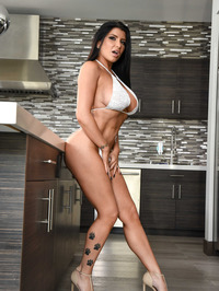 Sexy And Busty Romi Rain 01
