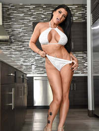 Sexy And Busty Romi Rain 08