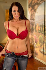 Busty Milf Plays Before The Sex