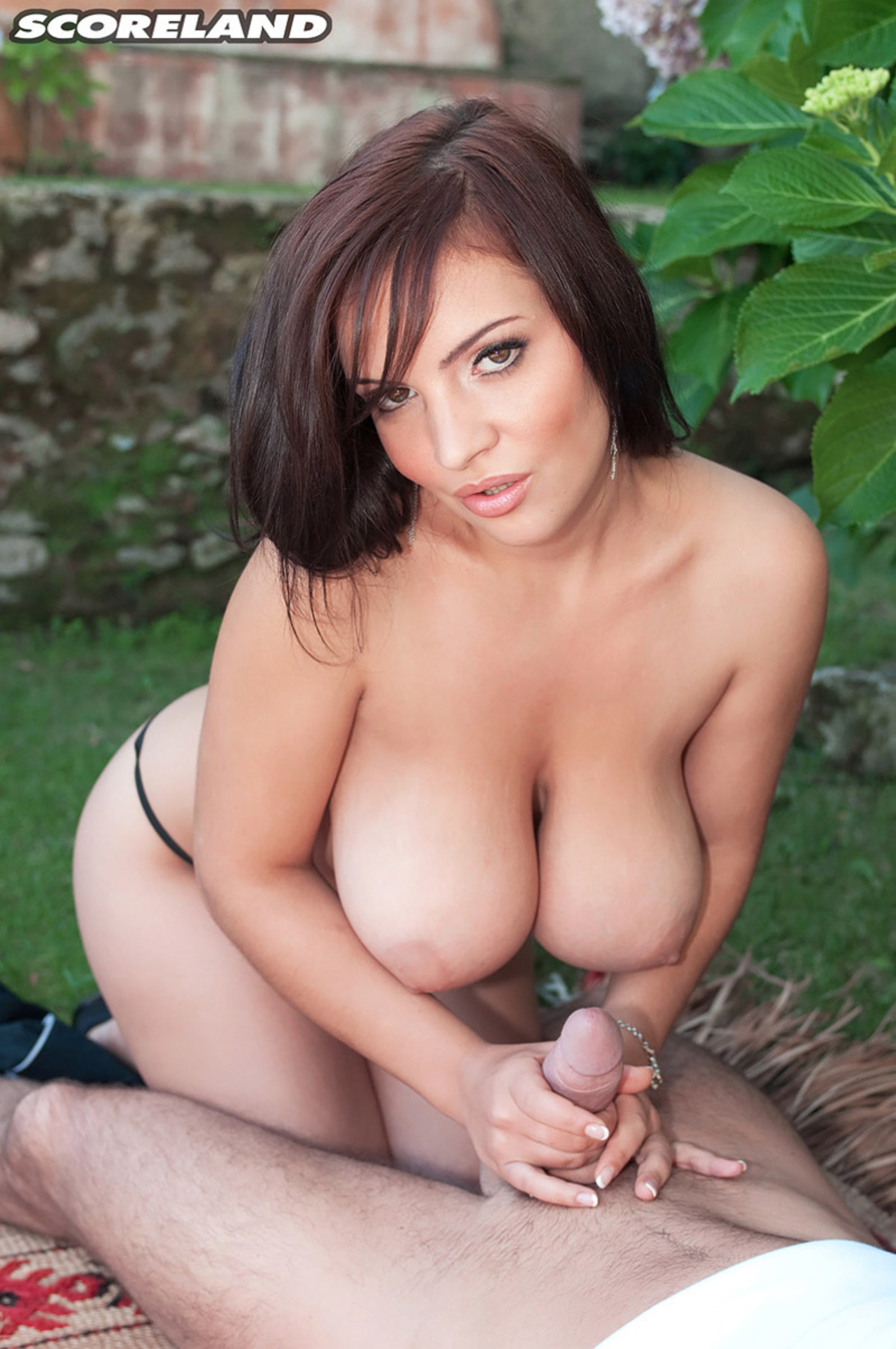 Hot Assed Lizzy Bennett