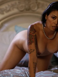 Dana Vespoli Solid Strip 03