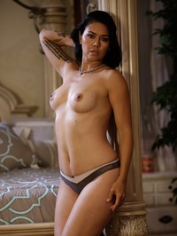 Dana Vespoli Solid Strip 10