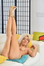 Booty Boobs Blonde