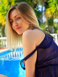 Sexy Blonde Babe Janelle B Is Hanging Out By The Pool 03