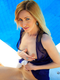 Sexy Blonde Babe Janelle B Is Hanging Out By The Pool 09